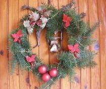 Kompozycja świąteczna na drzwiach